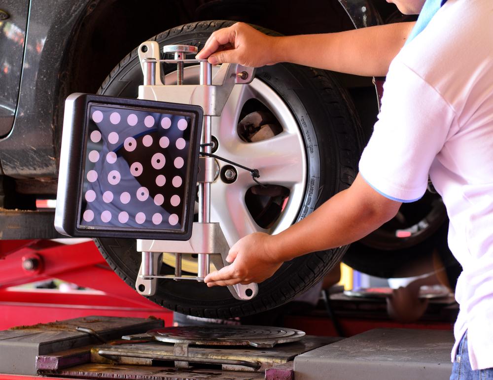 Gründliche Prüfung der Reifen