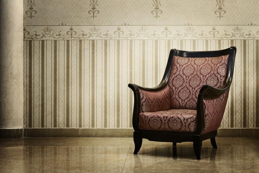 Auf Speichern finden sich wahre Schätze für  Liebhaber historischer Möbel