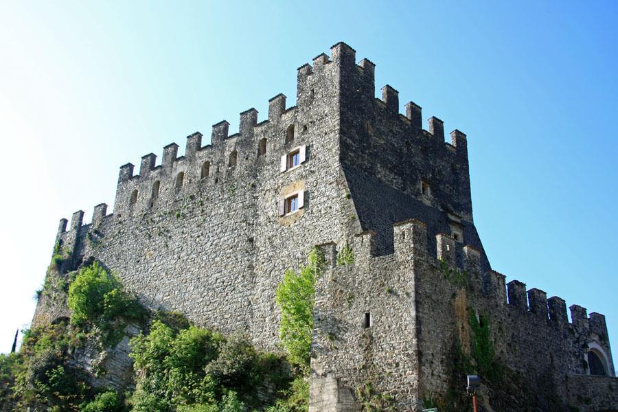 Burg von Tenno