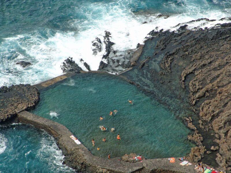 Natürlicher Meerwasserpool auf der Insel El Hierro