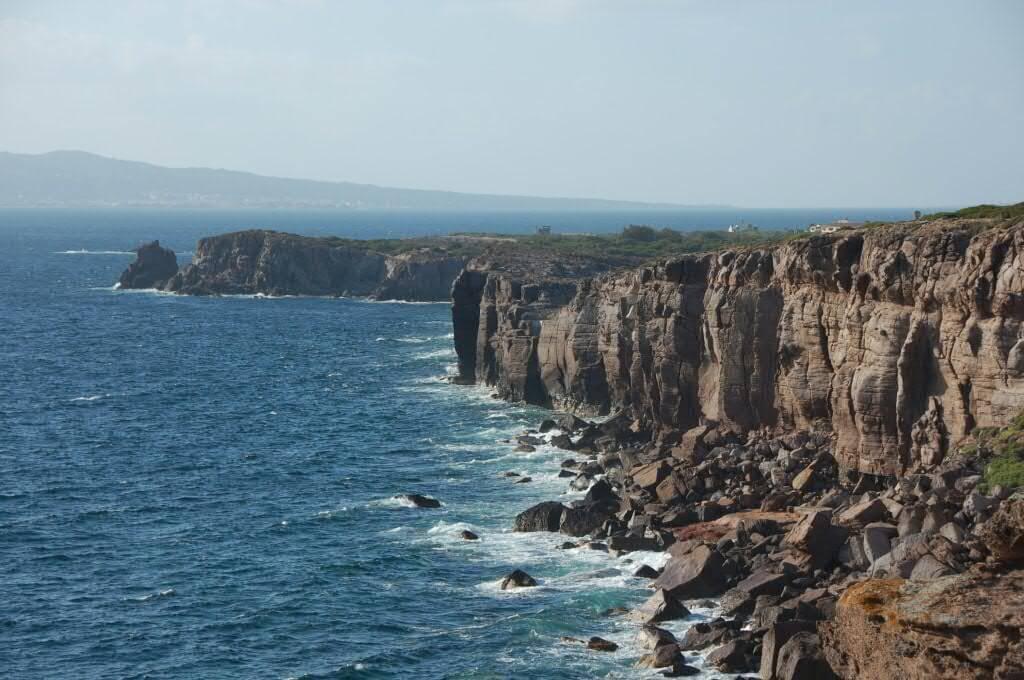 Die Westküste der Sant' Antioco Insel von Sardinien