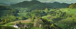 Lebendige Farben, dass die intermittierende Sonne, Jura-Gebirge