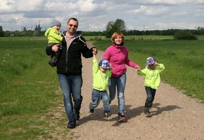 Studie: Eltern sind glücklicher als Kinderlose